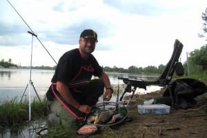 С пикером на реке в начале лета