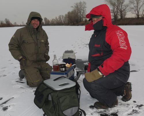 Главное достоинство рыболовного ящика на зимней рыбалке трудно переоценить!