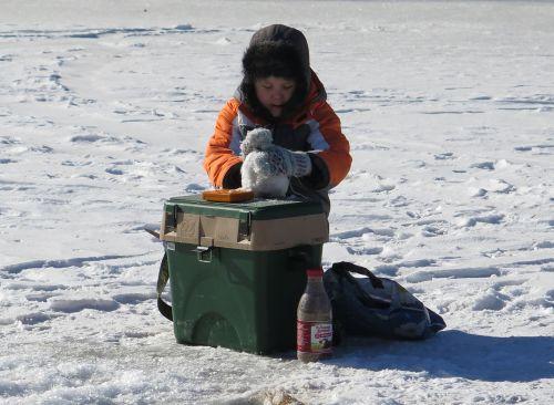 А вот на рюкзаке снеговика не слепишь!