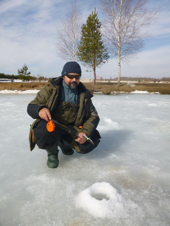 Форель. На лед со стримерами