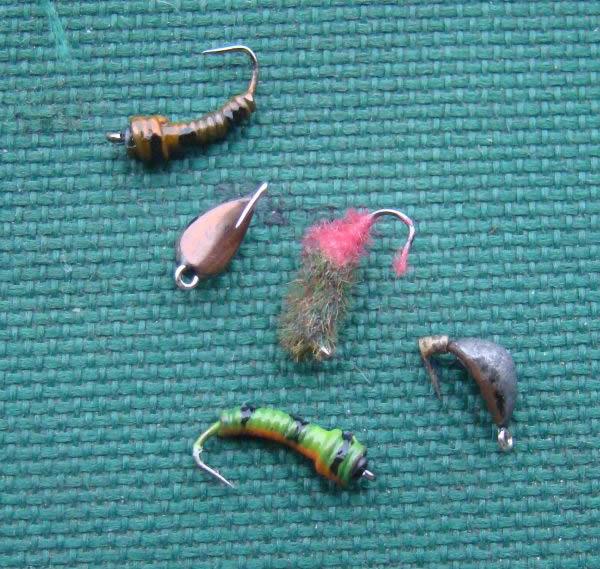 На мели (1 – 1,5 м) я применяю старые добрые свинцовые мормышки