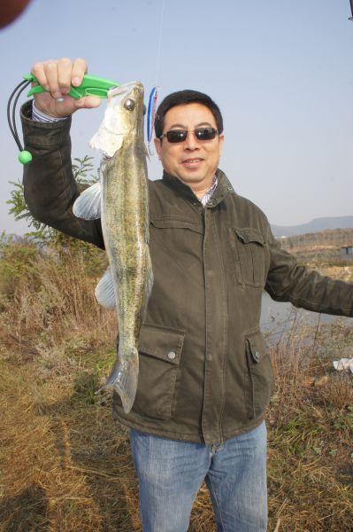 Винсент считается лучшим рыболовом в своей компании