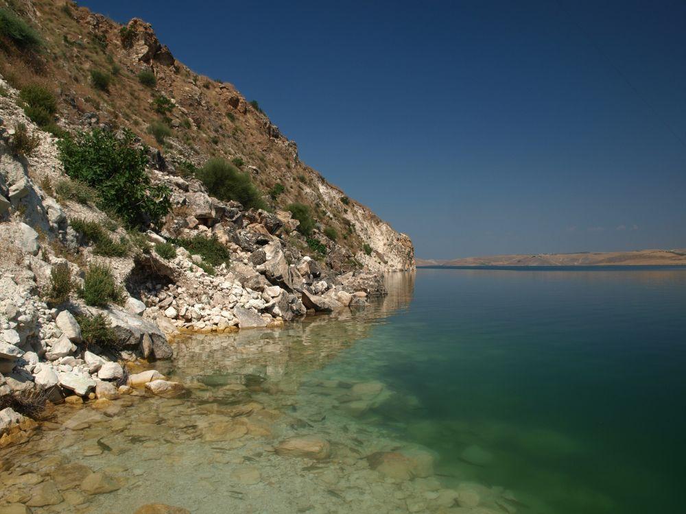 В водохранилище Ататюрк-Баражи) – чистая вода