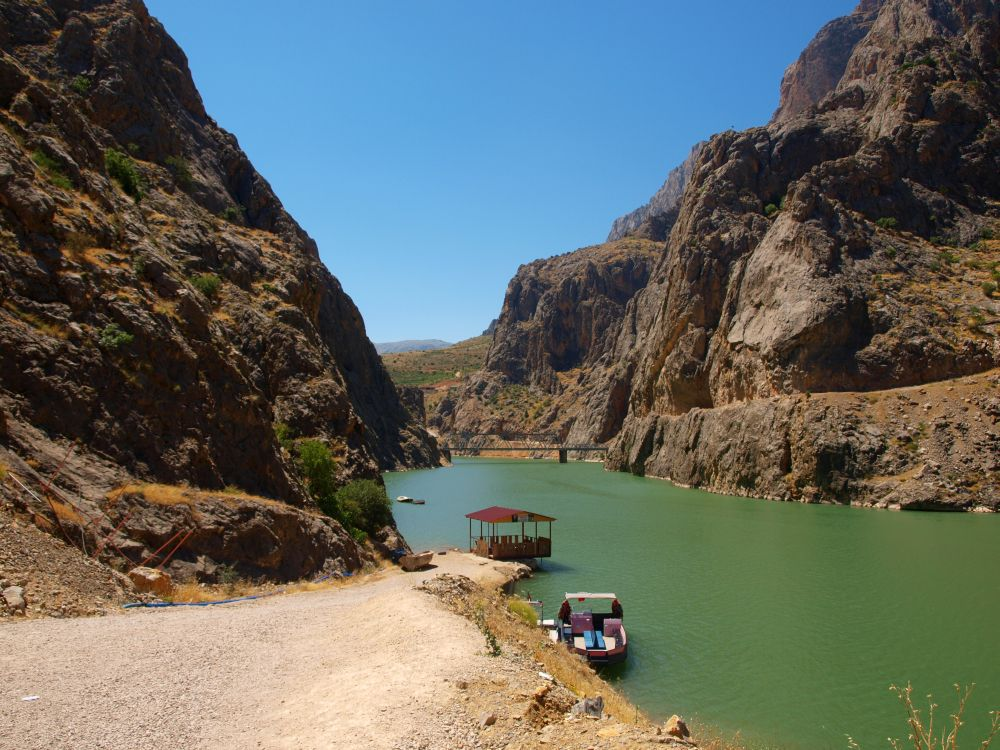 Евфрат в каньоне оказался мутноватым для нормальной ловли