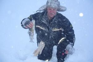 Адреналин подледного лова на озерах Мурмана