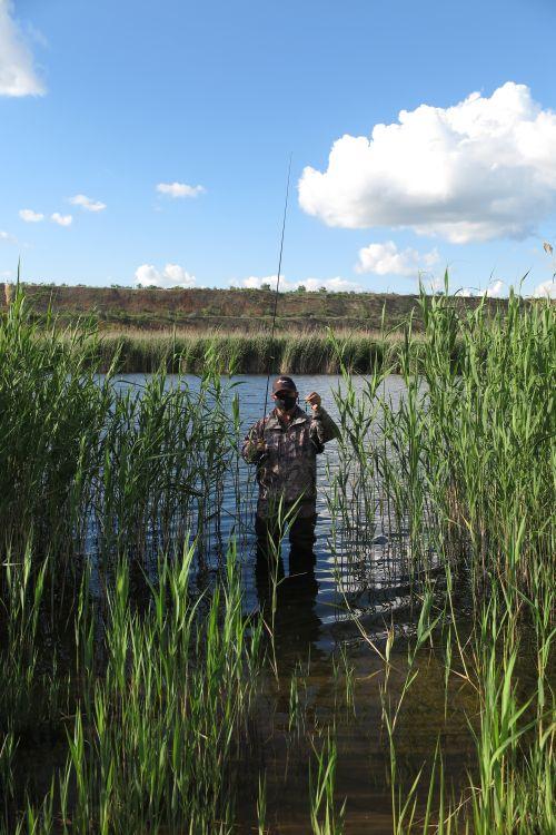 Я честно «косил» траву джигом, изучая глубину водоема