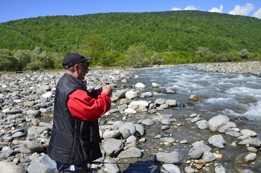 Ведущий эксперт по ловле форели в местных реках Александр Городянкин