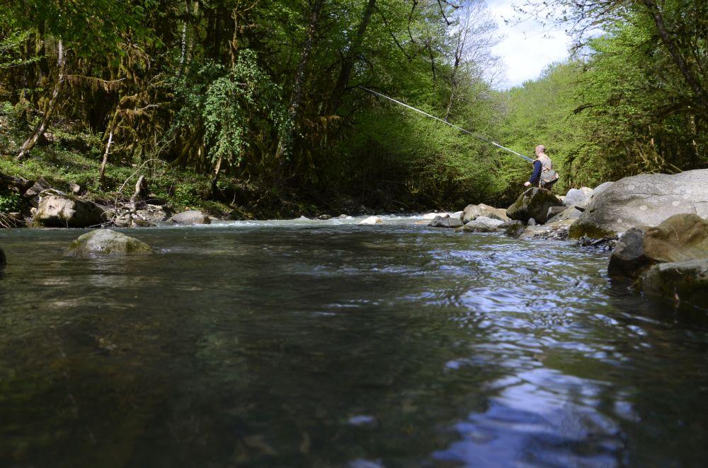 Ловля «махом» на естественные наживки всегда была в Сочи популярна