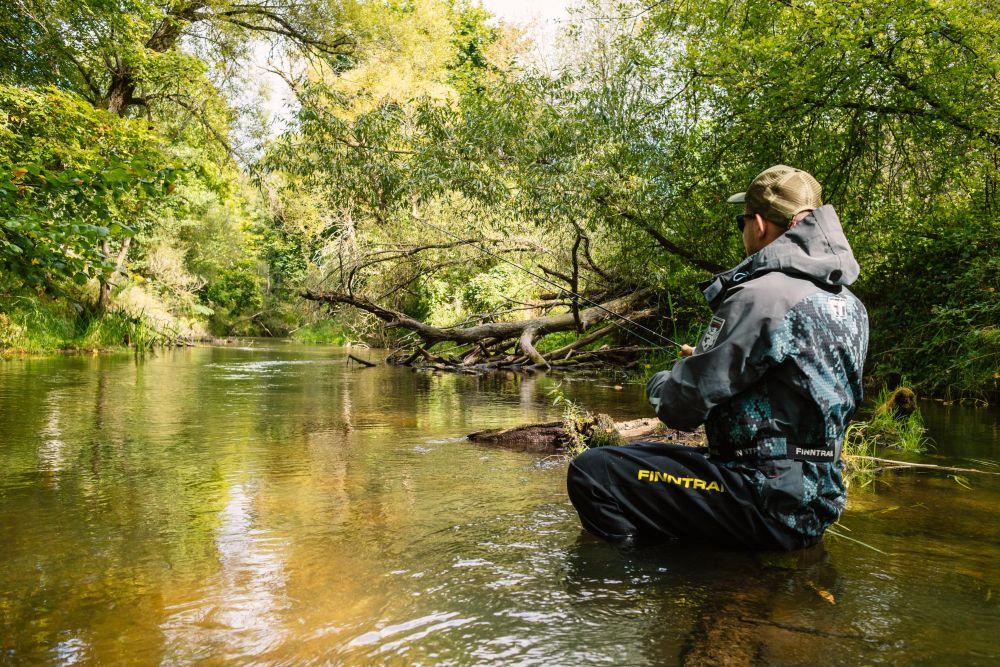 Вести себя на реке надо максимально тихо